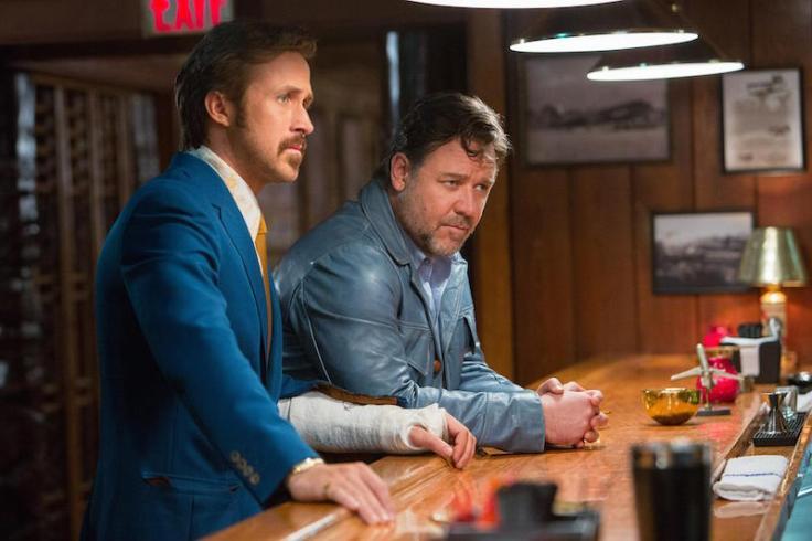 Ryan Gosling i Russell Crowe w filmie Równi goście