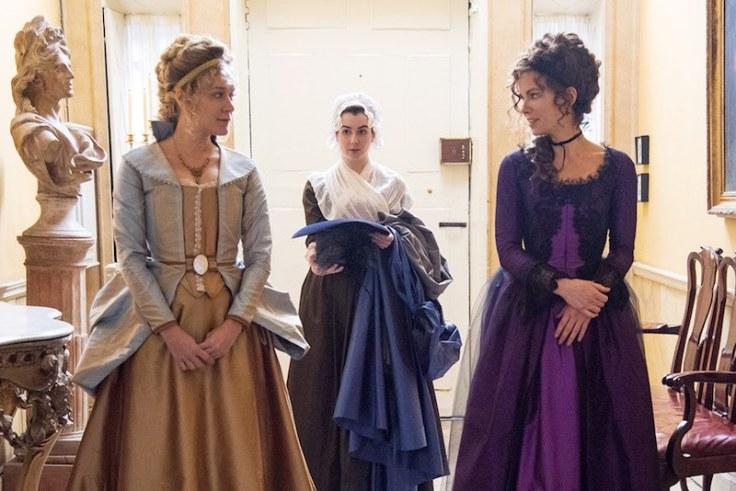 Chloë Sevigny i Kate Beckinsale w filmie Love & Friendship / Przyajźń czy kochanie?