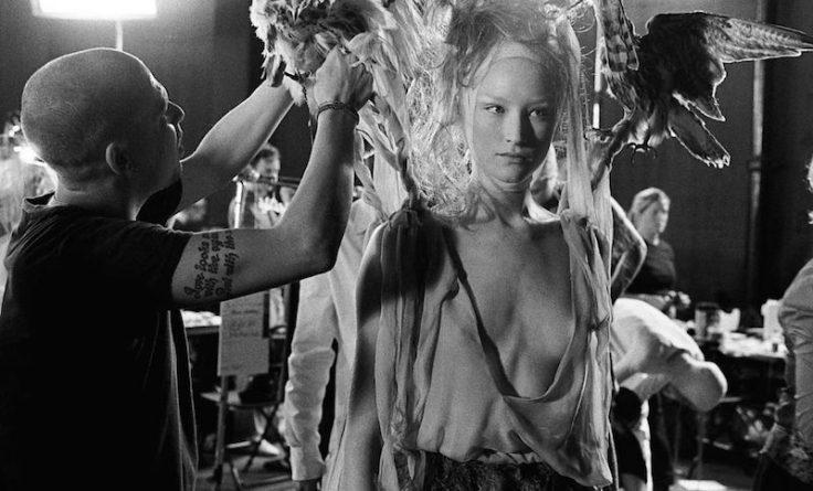 Kadr z filmu McQueen