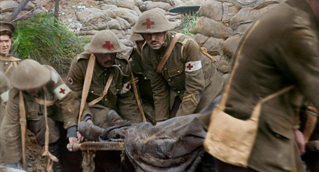 Kadr z filmu I młodzi pozostaną / fot. Warner Bros. Polska